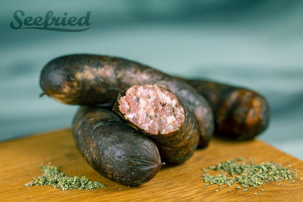 Fränkische Bratwurst schwarz geräuchert