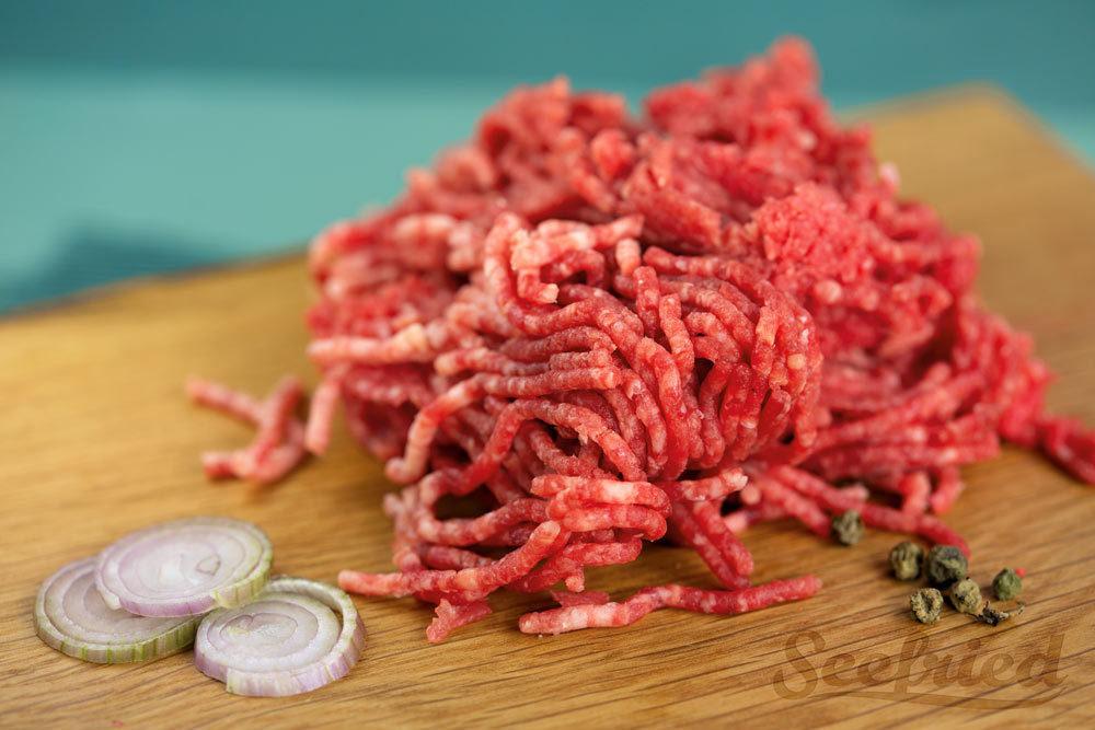 Rinderhackfleisch mit besonders viel Fett vom Hohenloher Weiderind