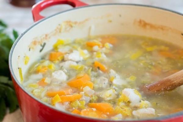 Hähnchensuppe mit Gemüse (c) Aurelie Bastian
