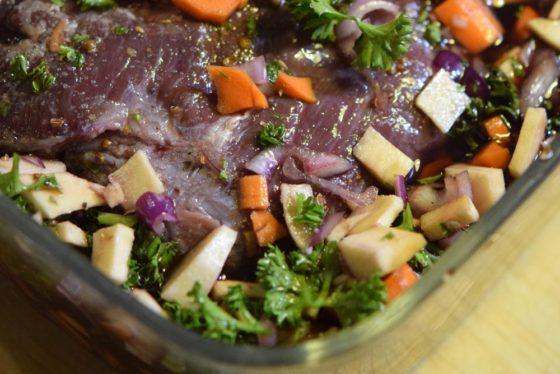 Ochsenbäckchen mit Gemüse. Foto: Ariane Bille