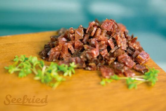 Salami - küchenfertig in Würfel geschnitten